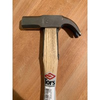 Carpenters hammer with 4-K stroke.